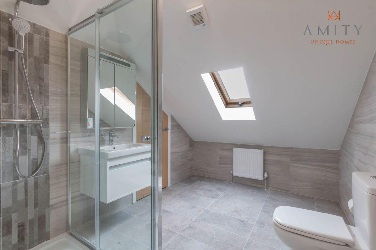 Loft Room En-Suite
